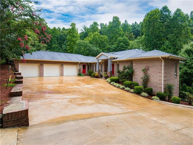 515 Claremont Drive, Flat Rock, NC 28731 (#3464441) :: Team Honeycutt