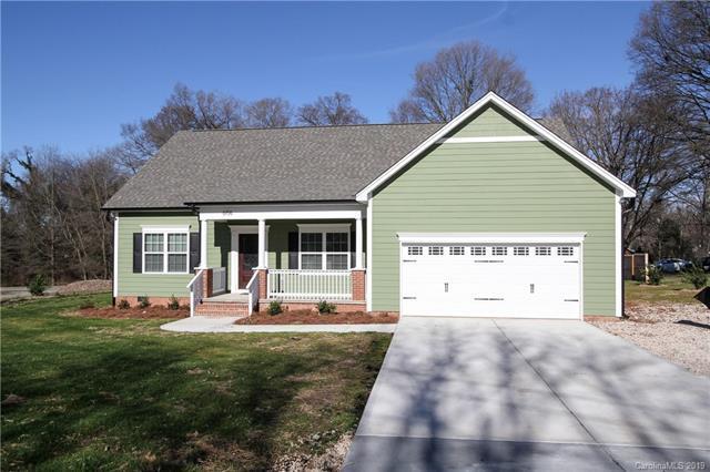 6106 Tuckaseegee Road, Charlotte, NC 28214 (#3464801) :: The Ramsey Group