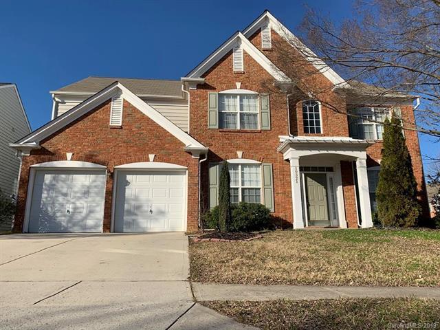 10321 Scotch Pine Circle, Charlotte, NC 28262 (#3465296) :: Charlotte Home Experts