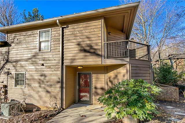 3725 Colony Crossing Drive, Charlotte, NC 28226 (#3465301) :: MartinGroup Properties