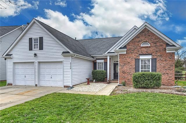 8409 Hirsch Drive, Charlotte, NC 28277 (#3465311) :: Exit Mountain Realty