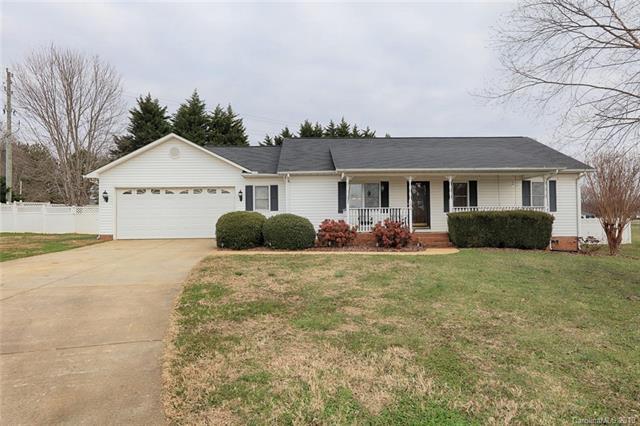 124 Watts Court, Statesville, NC 28625 (#3465393) :: Besecker Homes Team