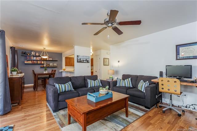 3302 Selwyn Farms Lane #9, Charlotte, NC 28209 (#3465415) :: Cloninger Properties