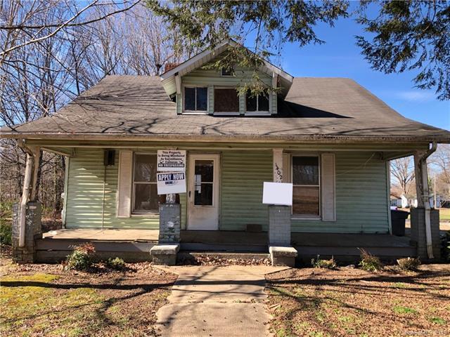1402 Wilson W Lee Boulevard, Statesville, NC 28677 (#3465454) :: LePage Johnson Realty Group, LLC