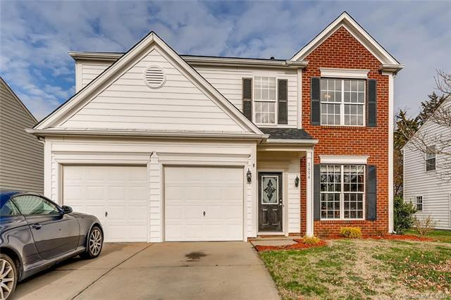 5654 Bentgrass Run Drive, Charlotte, NC 28269 (#3465542) :: Johnson Property Group - Keller Williams