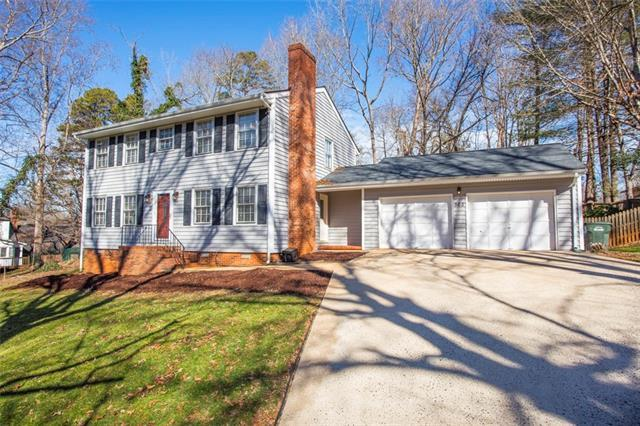 565 36TH Avenue NE, Hickory, NC 28601 (#3466058) :: Exit Mountain Realty