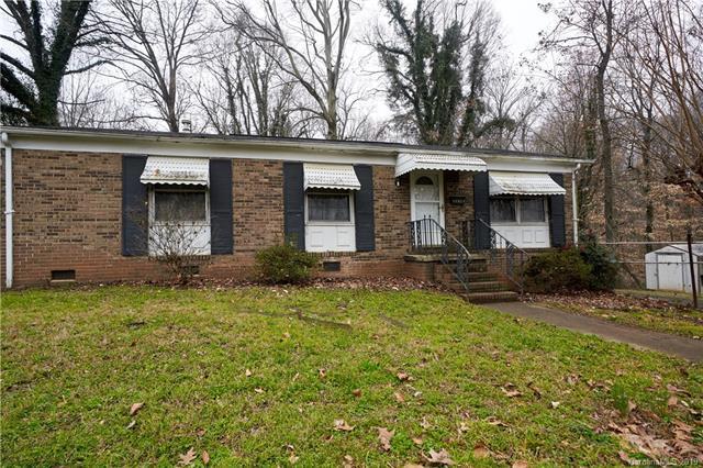 2301 Kennesaw Drive, Charlotte, NC 28216 (#3466569) :: Team Honeycutt