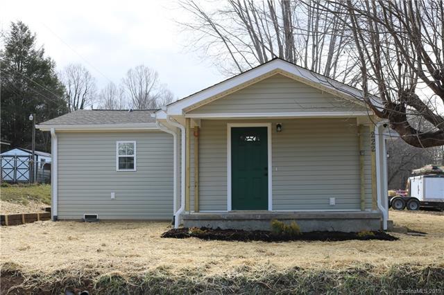 222 Highland Park Road, East Flat Rock, NC 28726 (#3466903) :: Puffer Properties