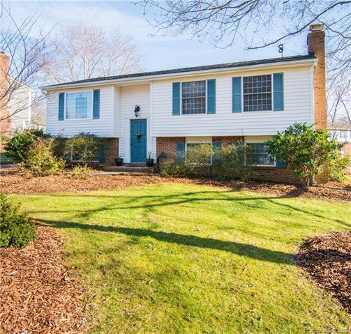 11423 Five Cedars Road, Charlotte, NC 28226 (#3466958) :: Exit Mountain Realty
