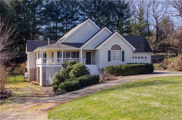 586 Woodlawn Circle, Clyde, NC 28721 (#3467185) :: Puffer Properties