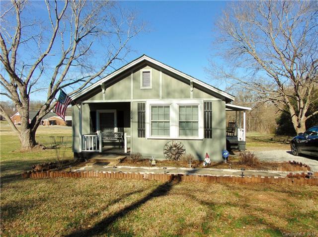 710 Church Street, Cramerton, NC 28032 (#3467296) :: Team Honeycutt