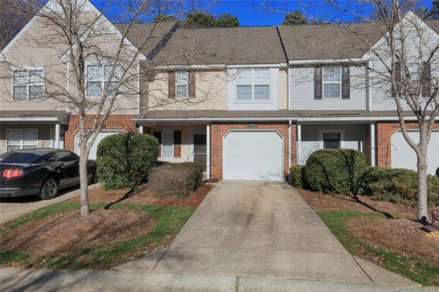 10619 Sleigh Bell Lane, Charlotte, NC 28216 (#3467314) :: Keller Williams South Park