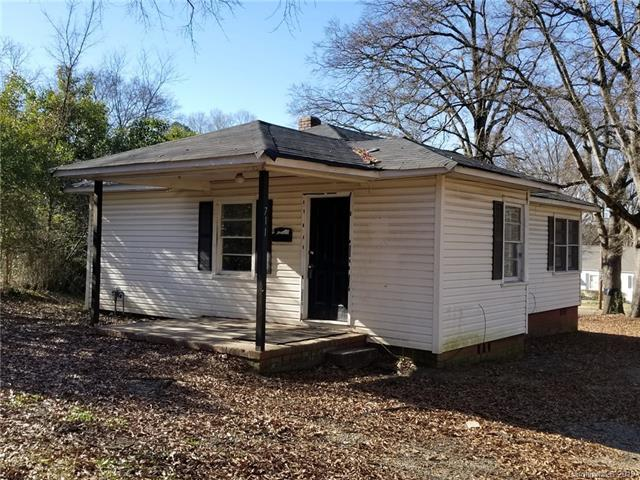 711 Seldon Drive, Charlotte, NC 28216 (#3467620) :: Roby Realty