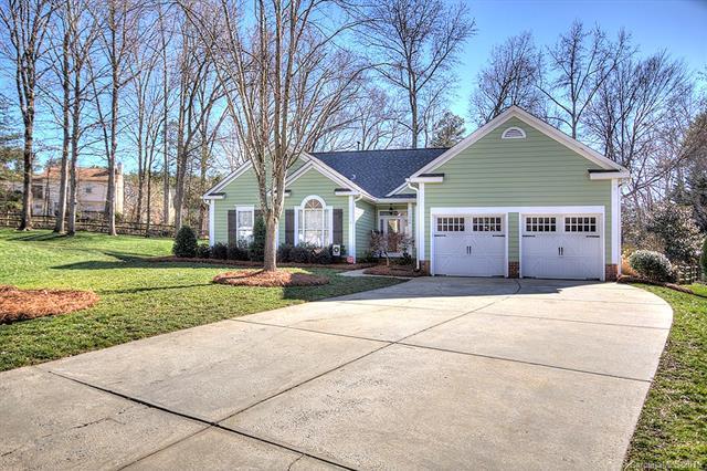 11354 Clayford Ridge, Charlotte, NC 28215 (#3467707) :: Keller Williams South Park