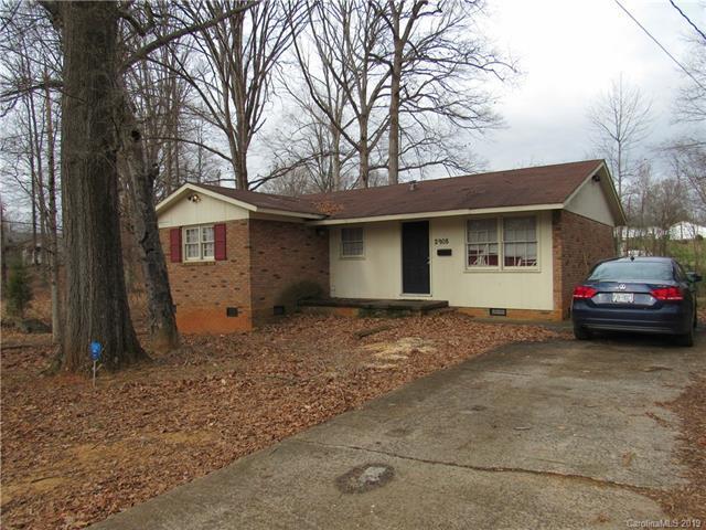 2908 Remington Street, Charlotte, NC 28216 (#3467914) :: Rinehart Realty