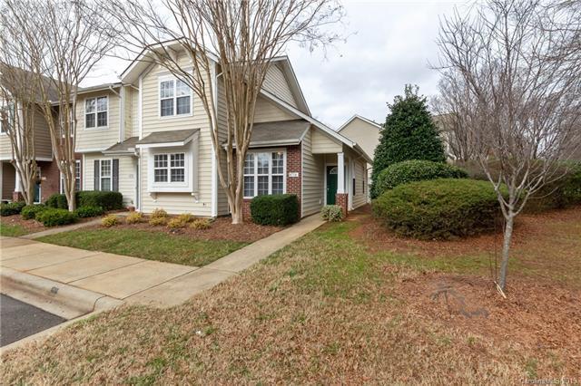 4714 Chapel Crossing Court, Charlotte, NC 28269 (#3467972) :: Robert Greene Real Estate, Inc.