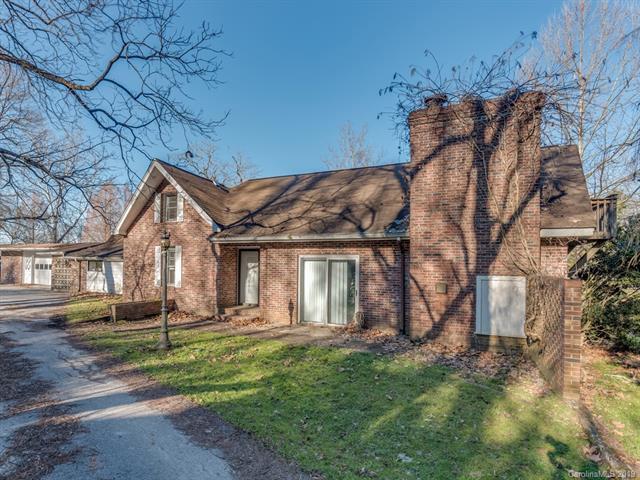 873 S Rugby Road, Hendersonville, NC 28791 (#3468654) :: Puffer Properties