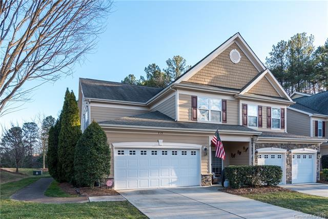 713 Deerbrook Lane, Tega Cay, SC 29708 (#3468732) :: Exit Mountain Realty