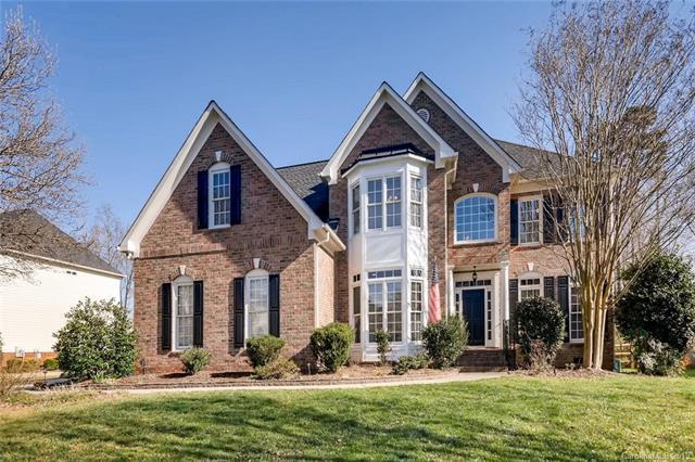 3338 Savannah Hills Drive, Matthews, NC 28105 (#3469116) :: Exit Mountain Realty