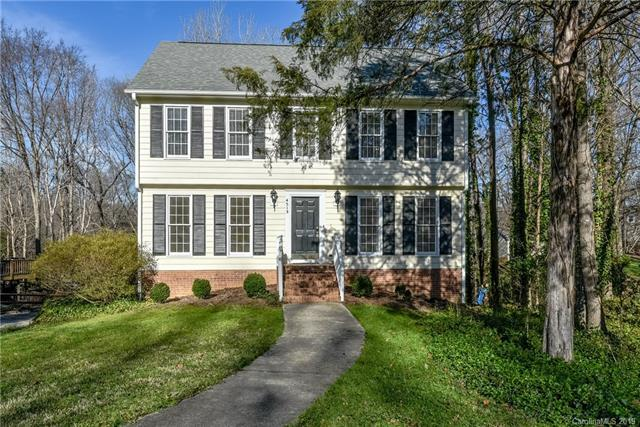 4513 Pendock Court, Charlotte, NC 28226 (#3469128) :: Exit Mountain Realty