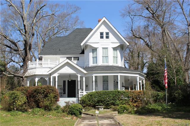 402 Chesterfield Avenue, Lancaster, SC 29720 (#3469424) :: Homes Charlotte