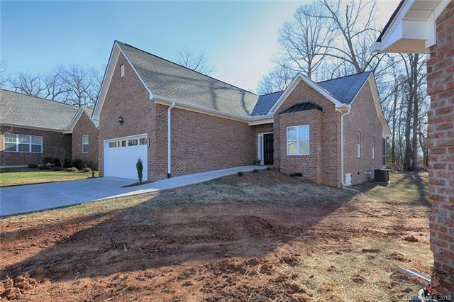 111 Sweet Oaks Lane, Statesville, NC 28677 (#3469433) :: LePage Johnson Realty Group, LLC