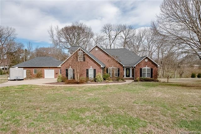 3805 Glen Haven Drive SW, Concord, NC 28027 (#3469746) :: The Ramsey Group
