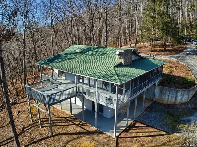 435 Bobcat Trail, Saluda, NC 28773 (#3469980) :: Puffer Properties