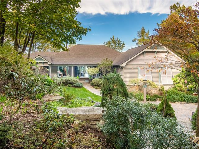 125 Berry Creek Drive, Flat Rock, NC 28731 (#3470260) :: Exit Mountain Realty