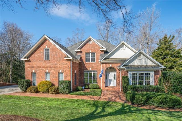 4137 2nd Street NW, Hickory, NC 28601 (#3470773) :: Cloninger Properties