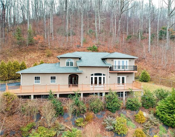 515 Red Fox Court, Hendersonville, NC 28792 (#3471343) :: Keller Williams Professionals