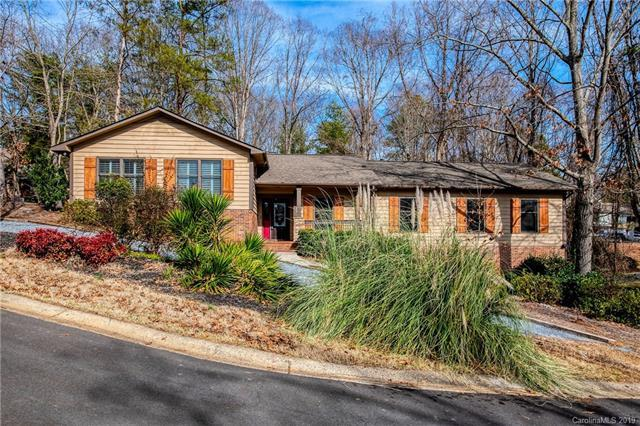 12 Lake Ridge Road, Lake Wylie, SC 29710 (#3471497) :: Keller Williams South Park