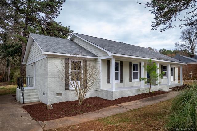 13425 Four Oaks Lane, Matthews, NC 28105 (#3471733) :: Scarlett Real Estate