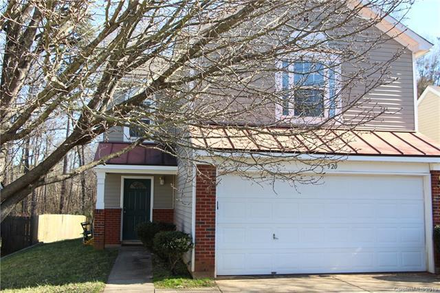920 Almora Drive, Charlotte, NC 28216 (#3471851) :: SearchCharlotte.com