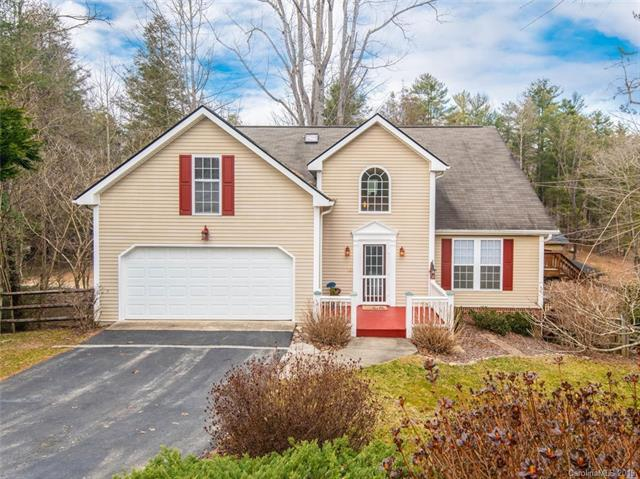 33 Old Applewood Lane, Hendersonville, NC 28739 (#3471947) :: LePage Johnson Realty Group, LLC