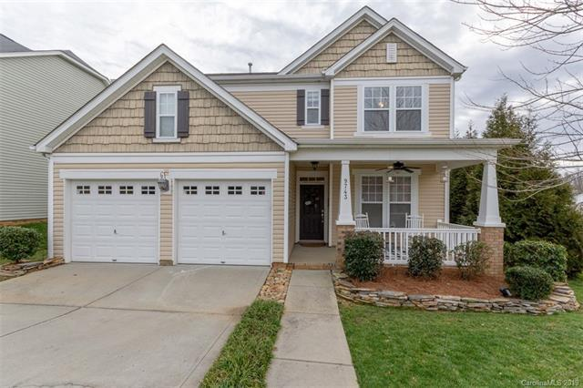 9743 Long Hill Drive, Charlotte, NC 28214 (#3471975) :: Odell Realty