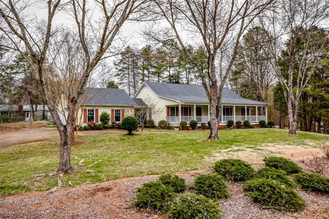 7817 Old Post Road, Denver, NC 28037 (#3472238) :: The Temple Team
