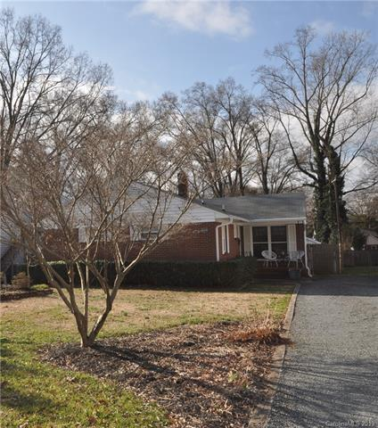 3204 Barnhill Drive, Charlotte, NC 28205 (#3472336) :: Exit Mountain Realty