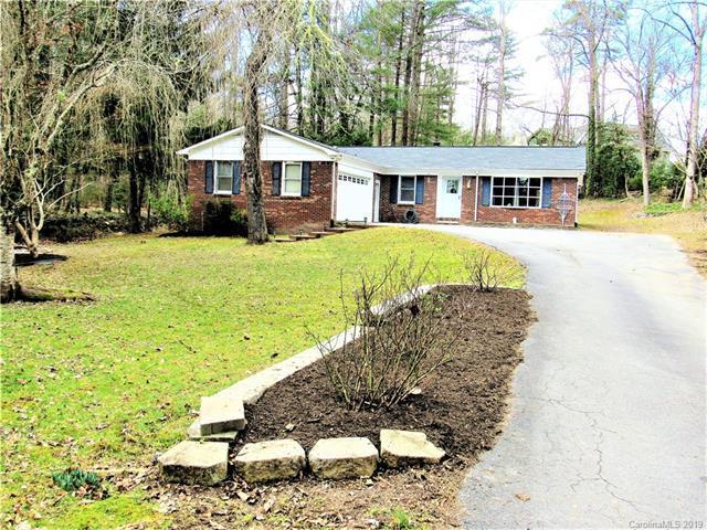 113 Long John Drive, Hendersonville, NC 28791 (#3472340) :: Exit Mountain Realty