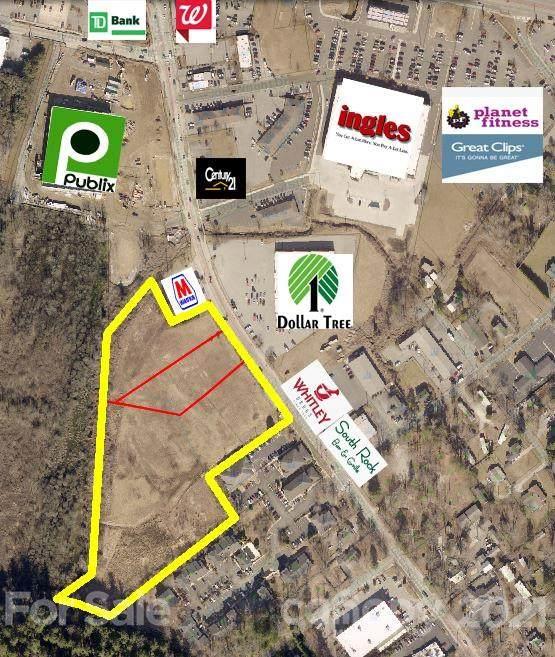 715 Greenville Highway, Hendersonville, NC 28792 (#3472513) :: DK Professionals