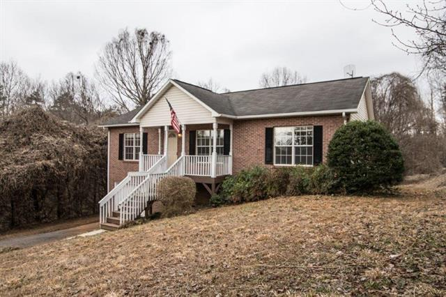 1226 39th St Circle SW, Hickory, NC 28602 (#3472537) :: Zanthia Hastings Team