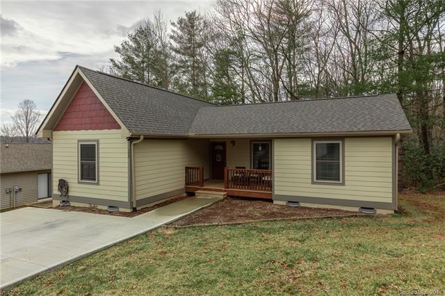 399 Hunters Ridge Drive, Mills River, NC 28759 (#3472803) :: Homes Charlotte