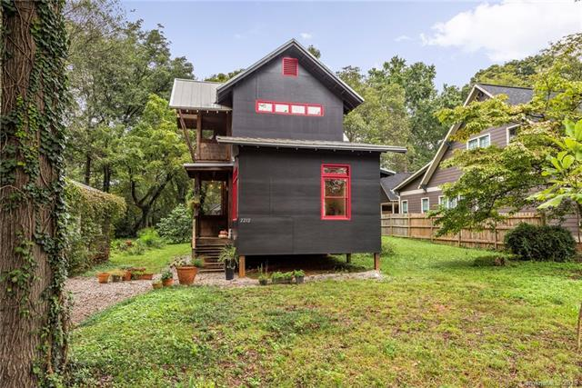 2212 Roslyn Avenue, Charlotte, NC 28208 (#3472951) :: The Ramsey Group