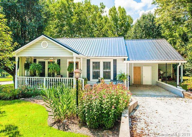 207 Stoney Mountain Road, Hendersonville, NC 28791 (#3473090) :: SearchCharlotte.com