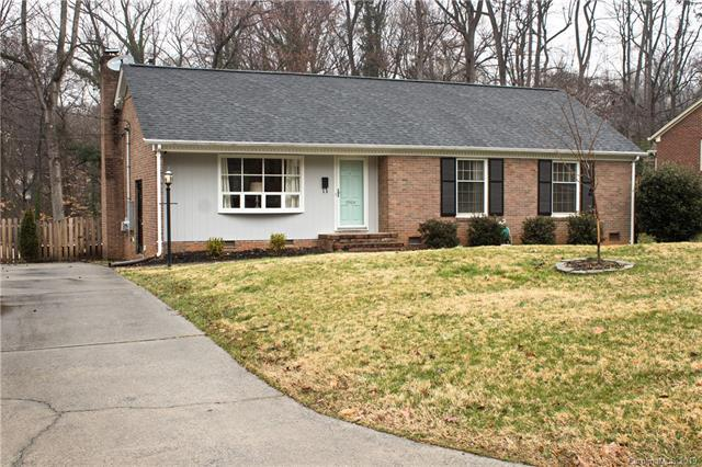 2919 Spring Valley Road, Charlotte, NC 28210 (#3473215) :: Exit Mountain Realty