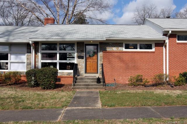 4751 Woodlark Lane, Charlotte, NC 28211 (#3473255) :: LePage Johnson Realty Group, LLC