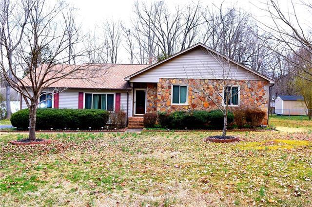 1623 Wildlife Road, Charlotte, NC 28214 (#3473367) :: High Performance Real Estate Advisors