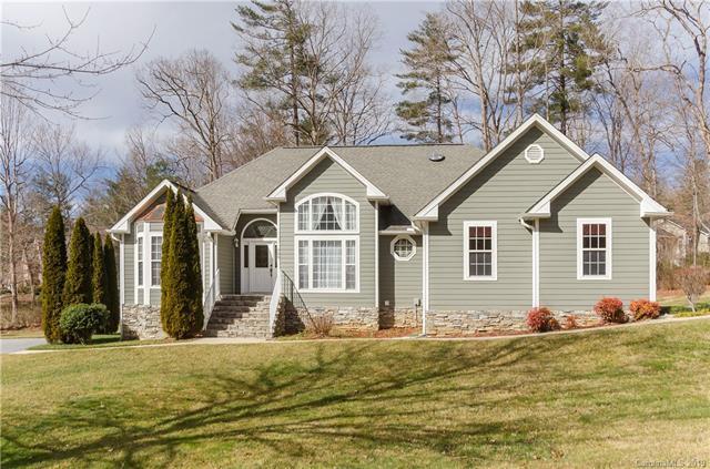 100 Arrowood Lane, Hendersonville, NC 28791 (#3473816) :: Puffer Properties