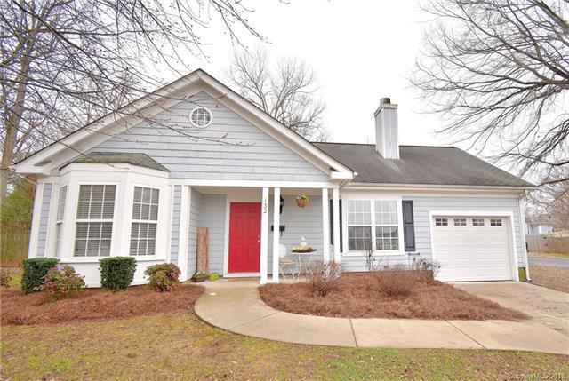 132 Cedarcroft Drive, Mooresville, NC 28115 (#3474074) :: Puma & Associates Realty Inc.