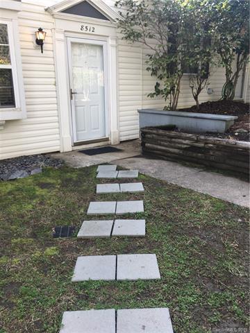 8512 Castle Pine Court #3, Charlotte, NC 28226 (#3474155) :: Chantel Ray Real Estate